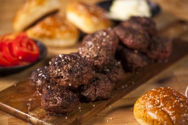 המבורגר מבשר בקר ישראלי טרי