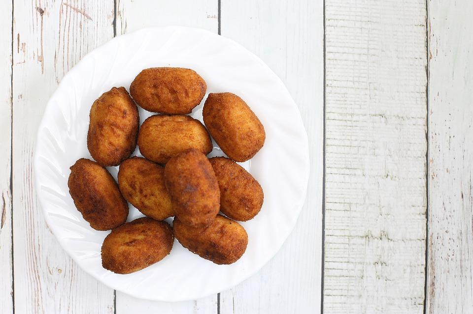 לביבות תפוחי אדמה ובשר ישראלי